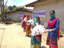 Delivery of dry ration kits to beneficiaries in Bihar/ photo credit: PRADAN